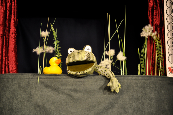 Das Krokodil im Entenweiher · Puppentheater Gugelhupf
